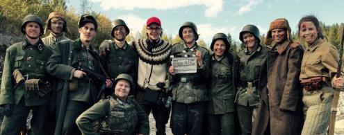 """Petter Homsen med skuespillere under opptak til kortfilmen """"Stille på sett"""""""